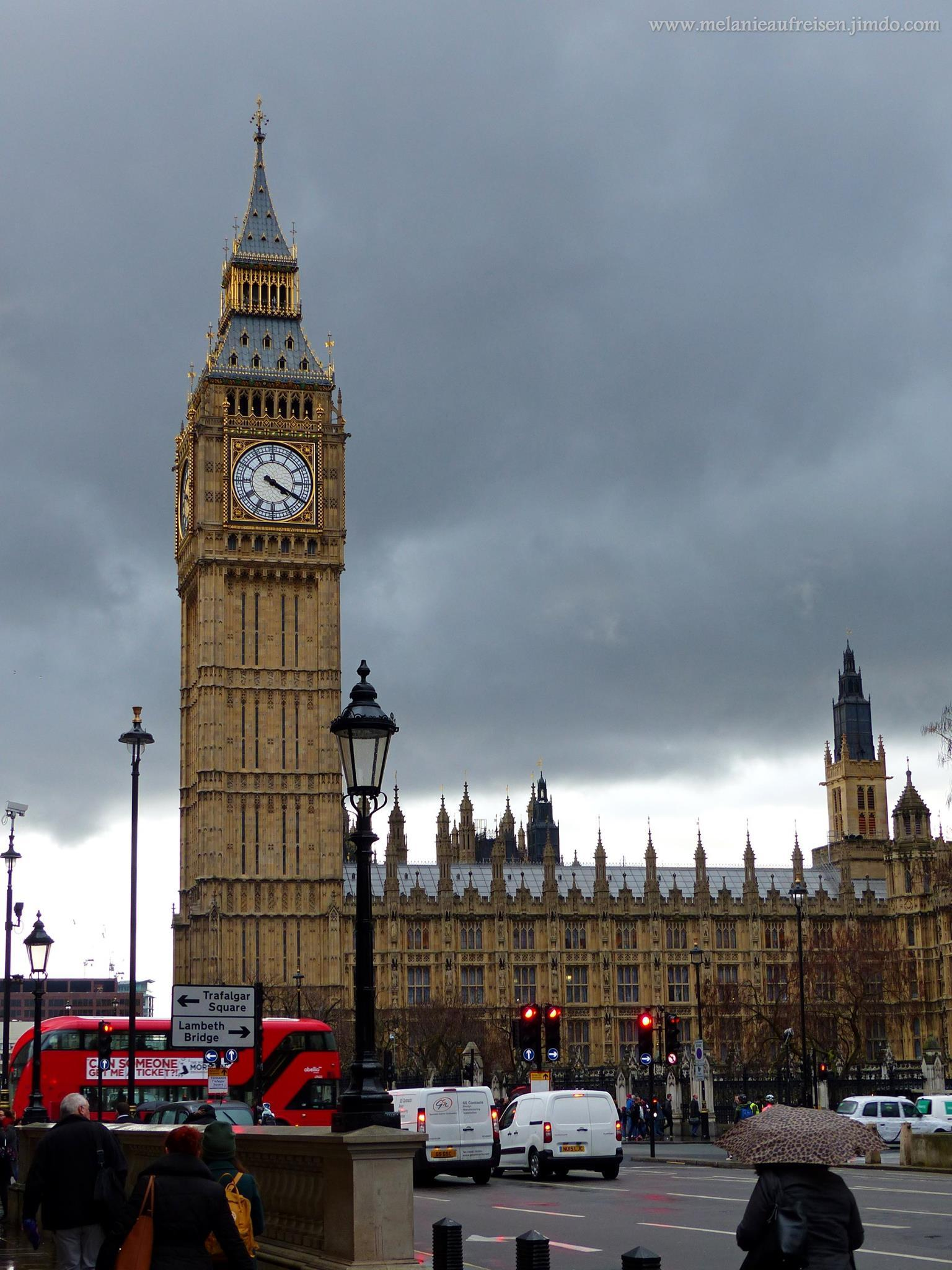 Queen-Elisabeth-Tower mit Big Ben und dem Parliament