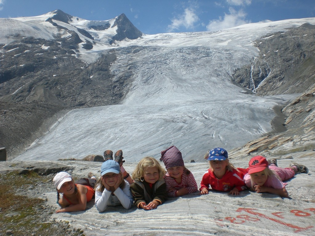 Kinder am Schlatenkees (Foto: Familie Resinger/Egger)