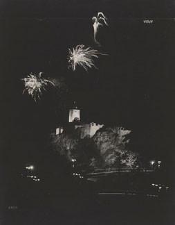 Heinrich Koch, Fotografie der Burg Giebichenstein in der Nacht, um 1930, Kunstmuseum Moritzburg Halle