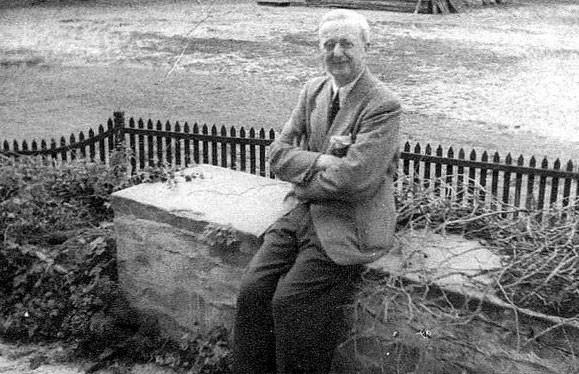 Charles F. Foerster, um 1942
