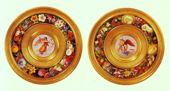 Zwei Fußschalen in Porzellan mit allegorischer Darstellung von Tag und Nacht, KPM Berlin, 1827. Fotos Johanniterorden