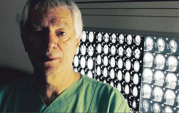 Der international renommierte Gehirnspezialist ProfessorVolker Sturm (BILD: MAX GRÖNERT)