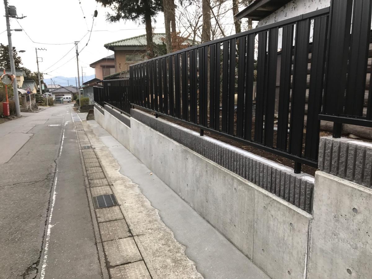御殿場市 O様 植木と石垣からコンクリート・フェンスに施工