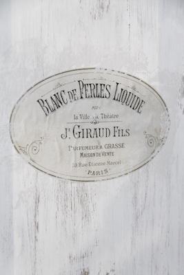 Image décorative Blanc de perles de la gamme Vintage Paint par Jeanne d'Arc Living