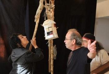 Les artistes autour de Bernard Cauhapé./ Photo DDM.
