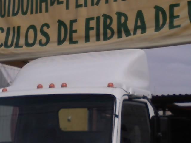"""""""Rompevientos para camión"""" fibra de vidrio"""
