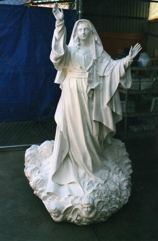 """""""Virgen de la Asunción"""" fibra de Vidrio  2.1 mts"""