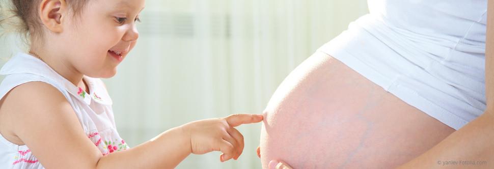 Worauf Sie während der Schwangerschaft achten müssen. (© yanlev - Fotolia.com)