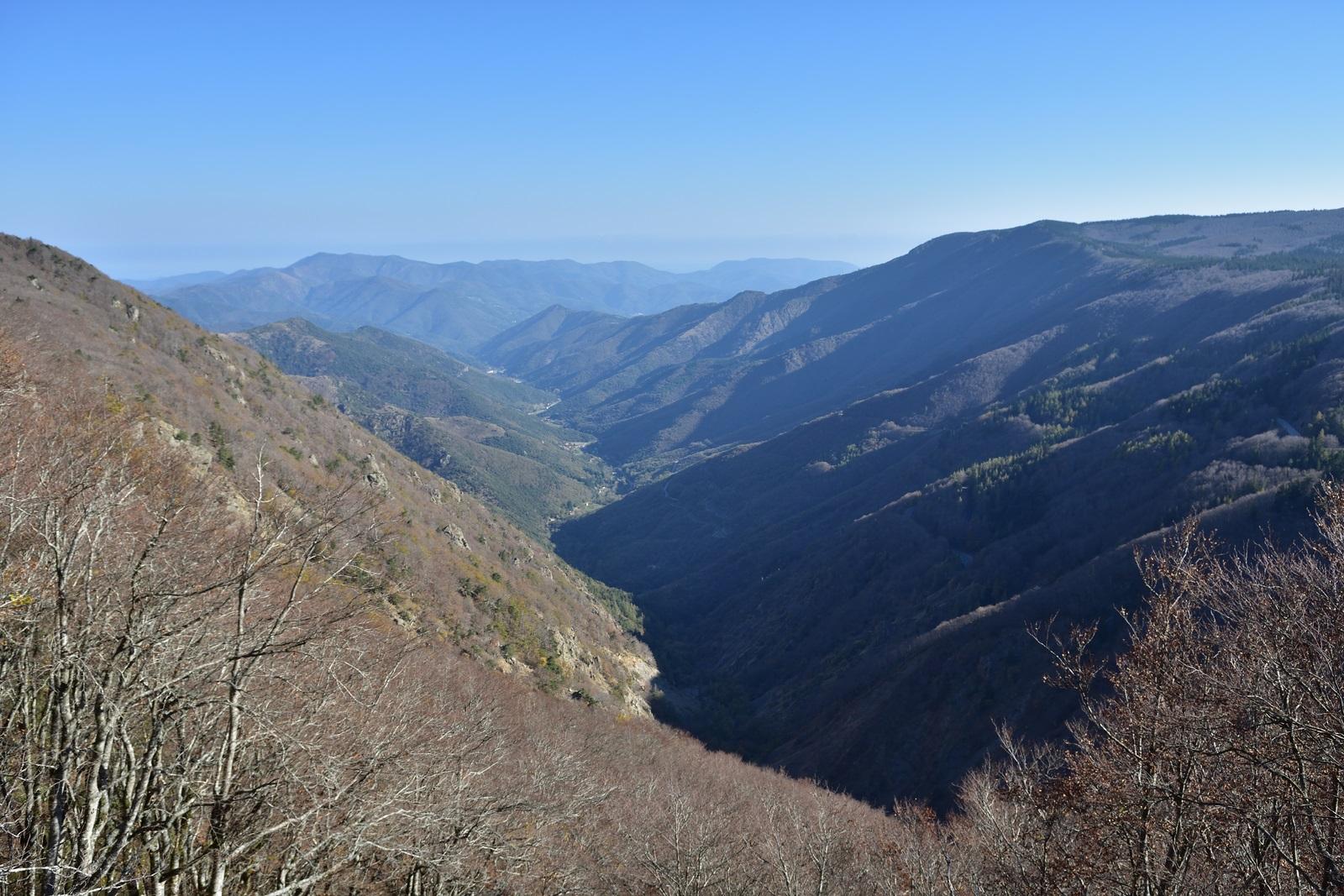 Col de la Serryède, la source de l'Hérault. Dans la descente du Mont Aigoual vers Avéze (6ème nuit  ?) pour un apéro mérité.