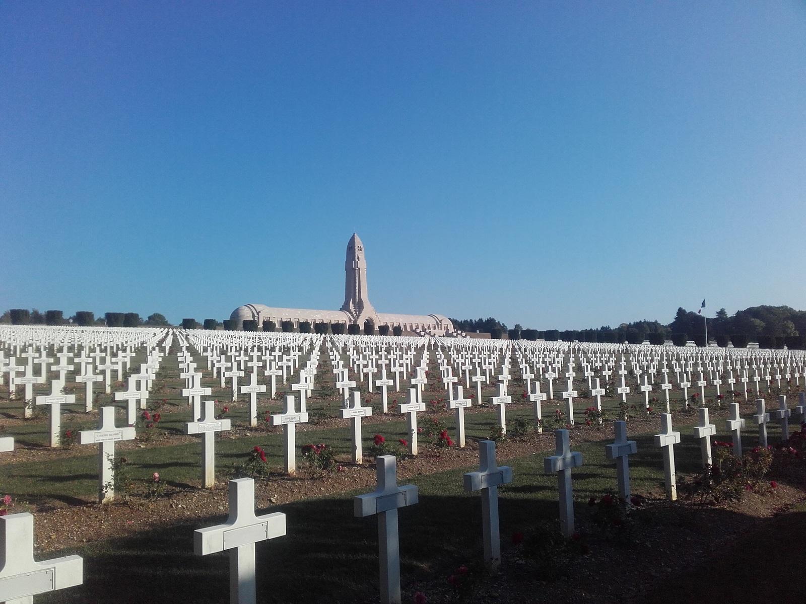 Ossuaire et nécropole Nationale de Douaumont (Route du fort en travaux lors de ma reconnaissance). Photo de septembre 2016