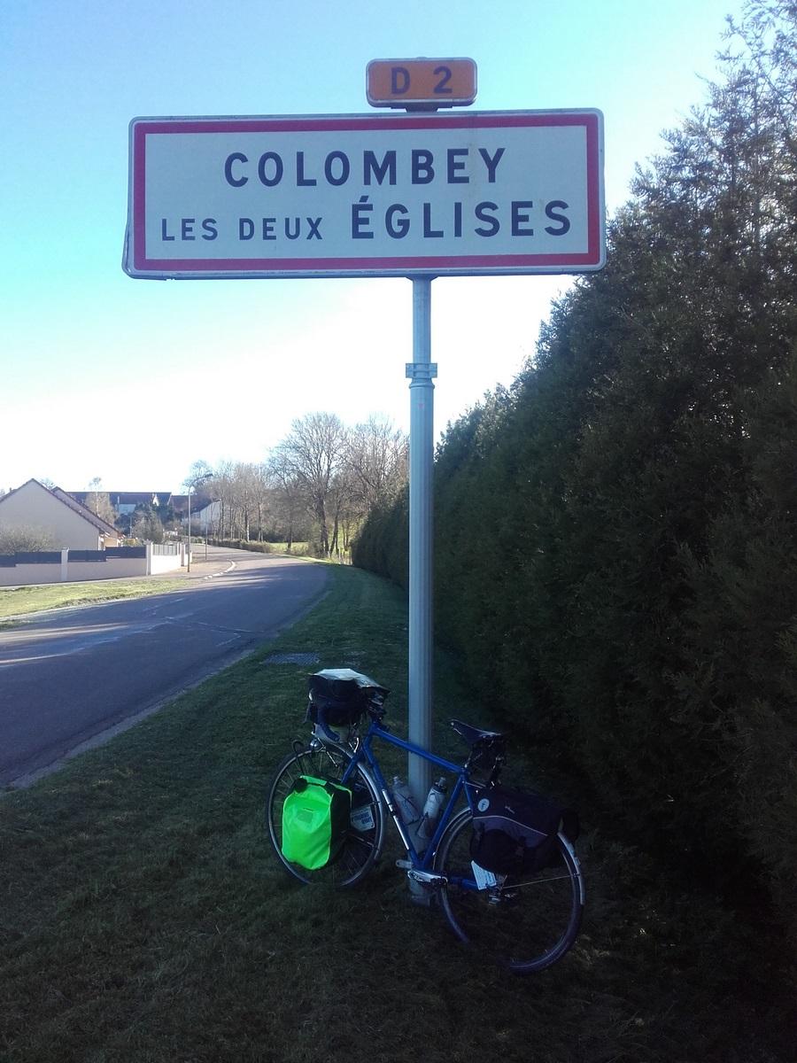 Après Trois Fontaine l'Abbaye et la vallée de la Blaise vous atteindrez la Haute-Marne.