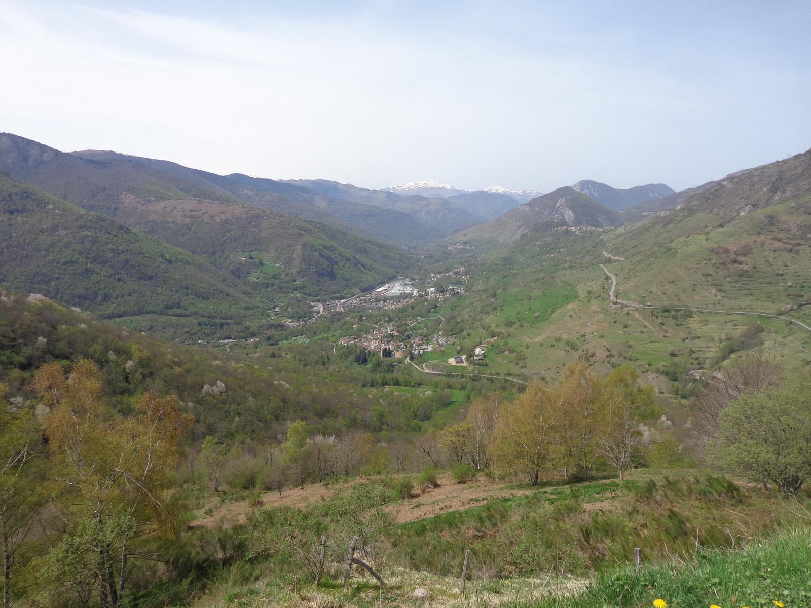 La vallée de l'Ariège et le recouvrement des plaques tectoniques de l'Europe et de la péninsule Ibérique.