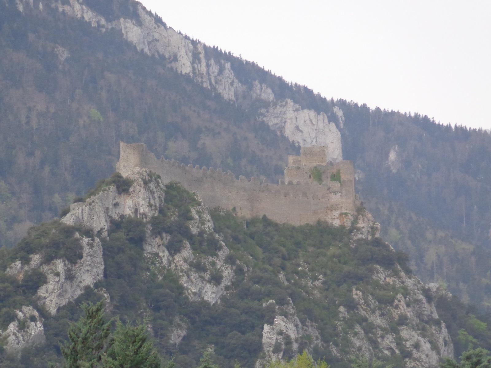 Château perché et Cathare de Puilaurens.
