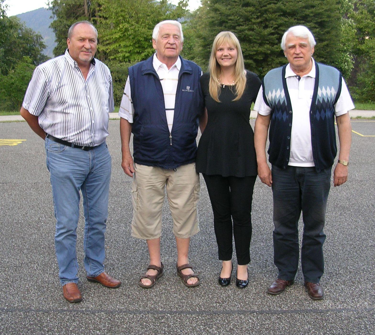 Obmann Josef und BGM Elisabeth Feichtinger mit den Ehrenmitgliedern