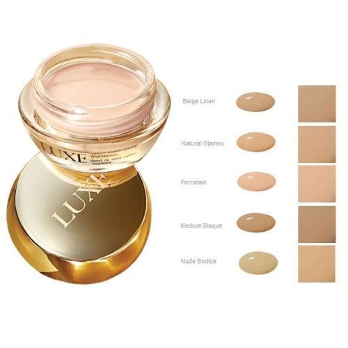 Mattierende Mousse-Foundation mit seide 18 ml. 20,00 €