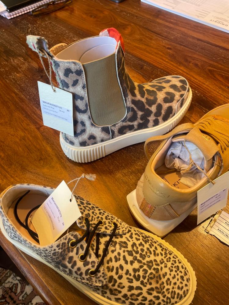 Ballerina in verschiedene Farben Euro 129,-