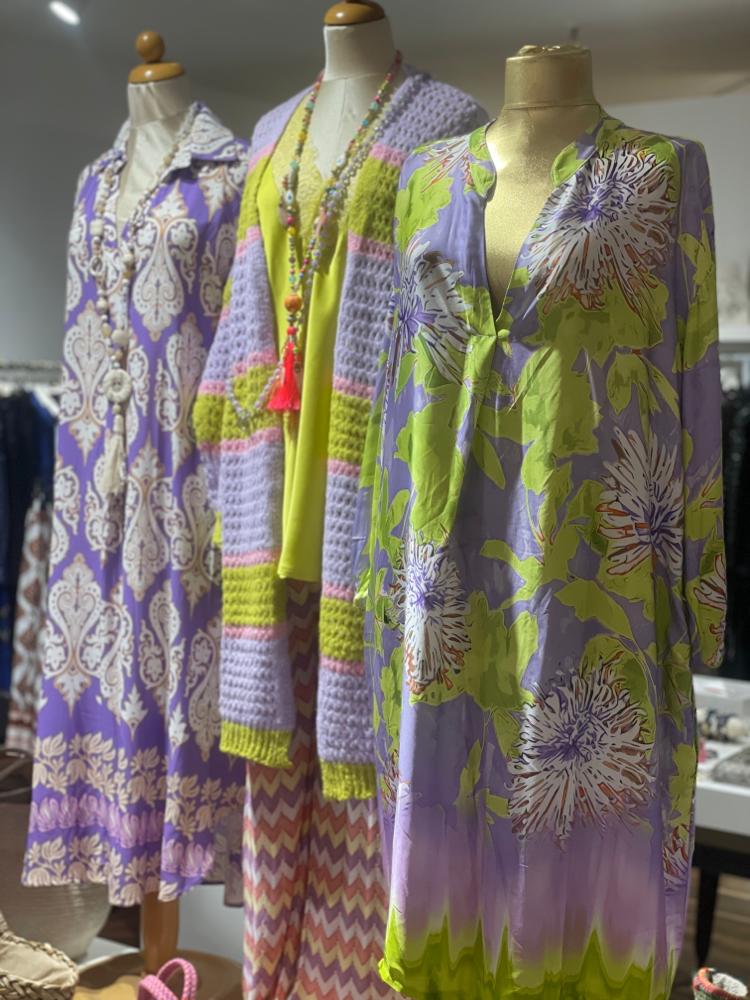 Pullover & Hose von  Summum  Größen 34-42  Euro 119,50 und neue Form der Hosen aus 100% Baumwolle Euro 89,50 .-