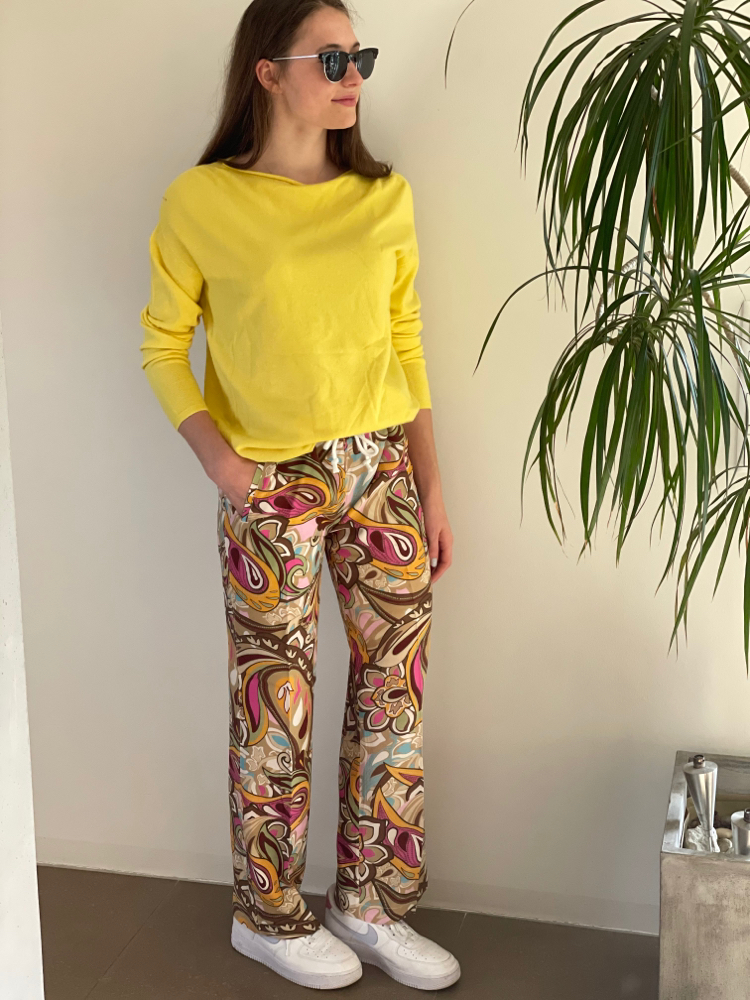 Pullover verschiedene Farben Einheitsgröße Euro 49,50 Hose von Firma Narli Euro 119.- in Größe SMLXL