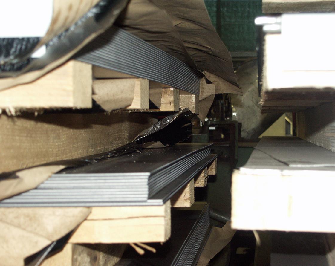Lastre in acciaio per il taglio al laser e la realizzazione dei manufatti
