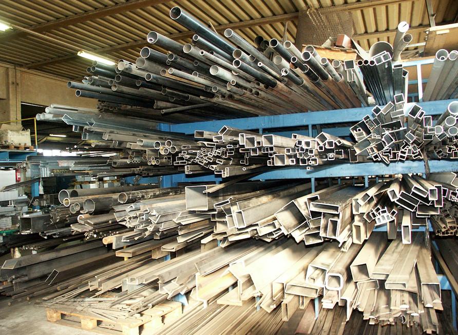Profilati in acciaio per la realizzazione dei manufatti Vulcano Fire