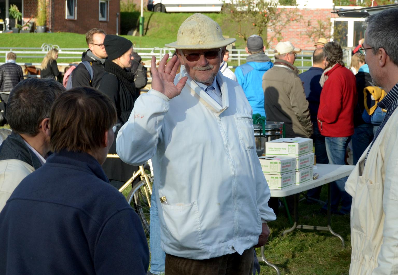 Unser 2. Vorsitzender Ulrich K. hält alle Fäden in der Hand.