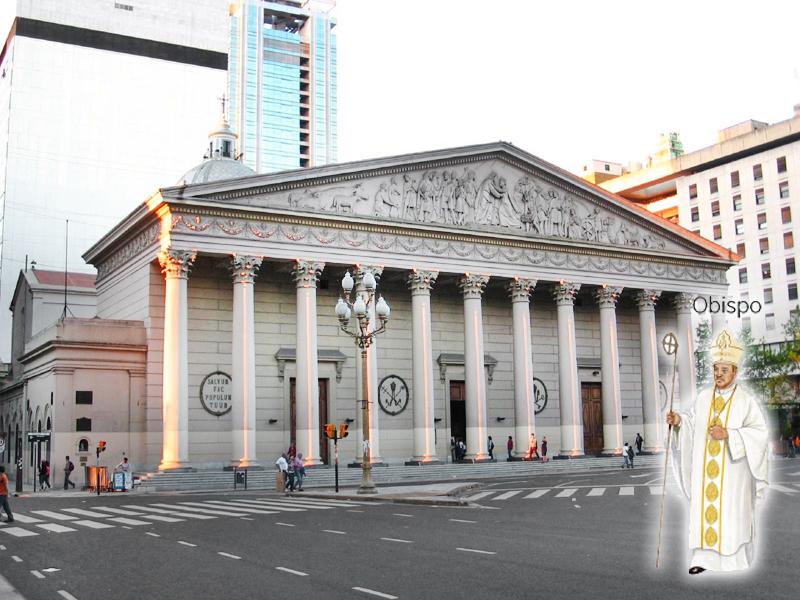 Catedral Metropolitana de Buenos Aires.  Situada en el barrio de San Nicolás, frente a la Plaza de Mayo.