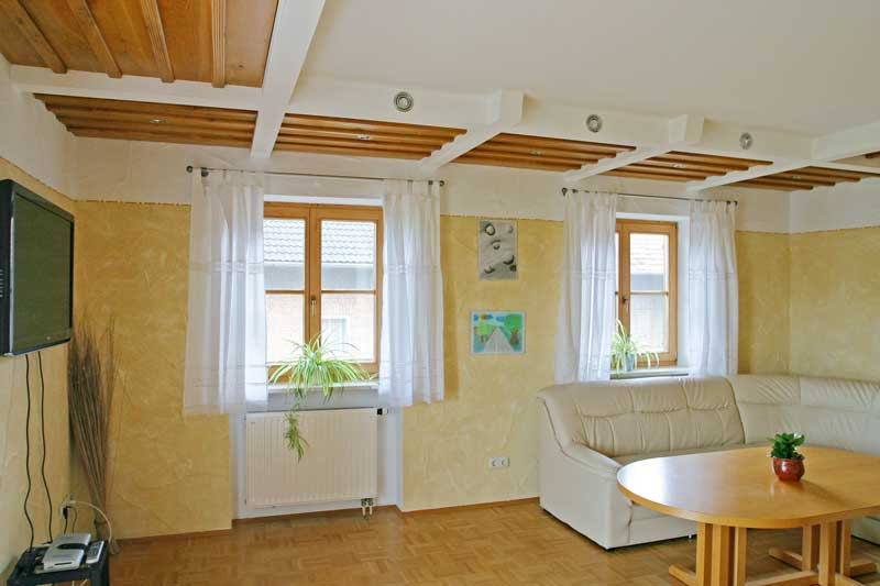 Das Wohnzimmer mit Flachbildschirm