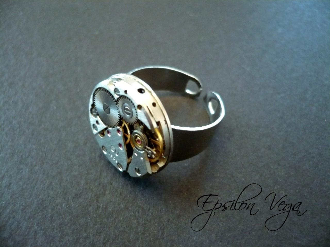 Ideal Bagues - Epsilon Vega, bijoux rouages steampunk YZ17