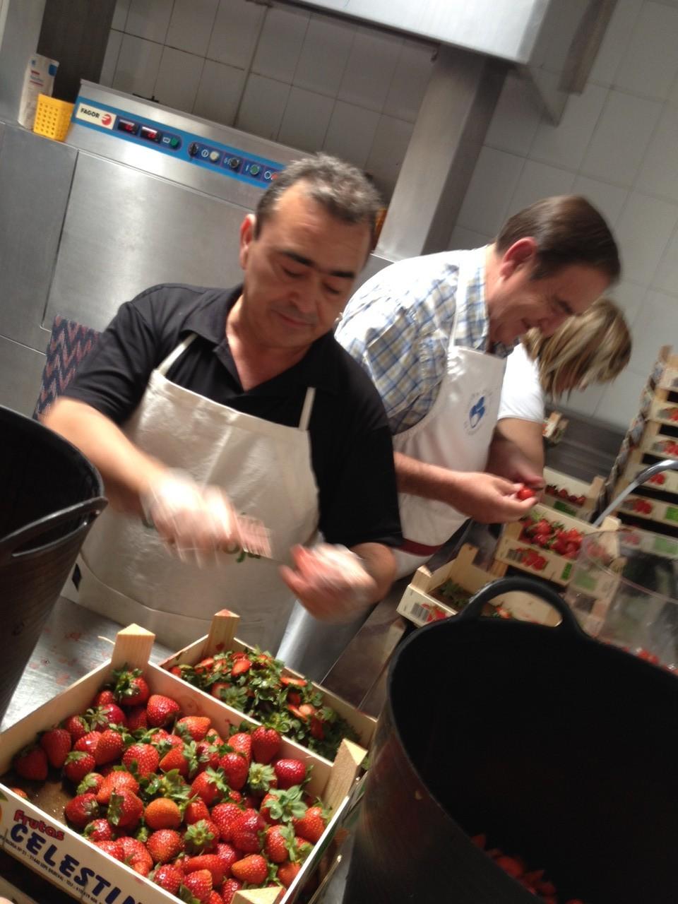 Preparando las fresas...