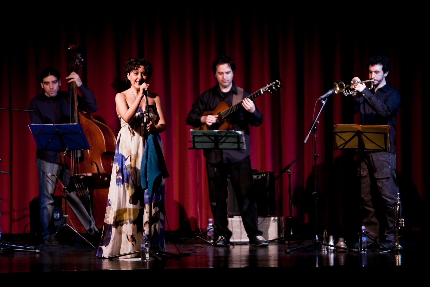 """QUINTETO con CARLOS ROSSI (trompeta). PRESENTACIÓN """"La Espuma de los Días"""". CICLO MÚSICAS EN FEBRERO. SEVILLA. 2009.FOTOS: ANTONIO MARTINEZ RUBIO"""