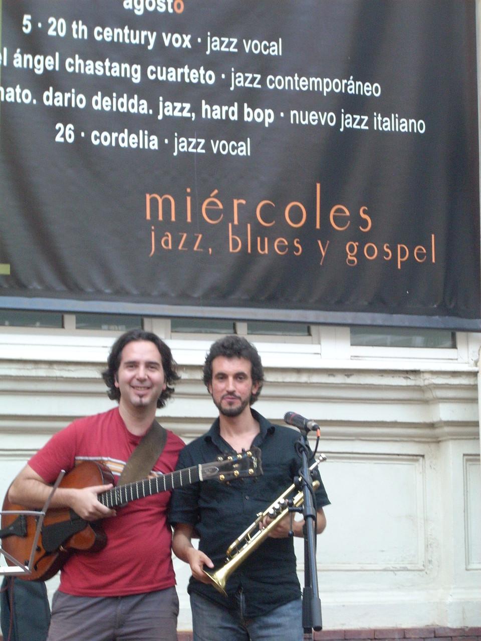 CARLOS ROSSI y HUGO FERNANDEZ. CICLO PUESTAS DE SOL. PALENCIA. VERANO 2009