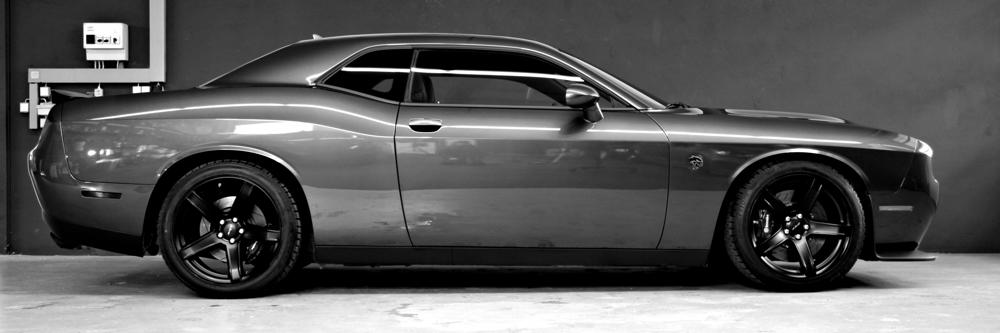 Dodge Challenger Hellcat Servfaces Ultima