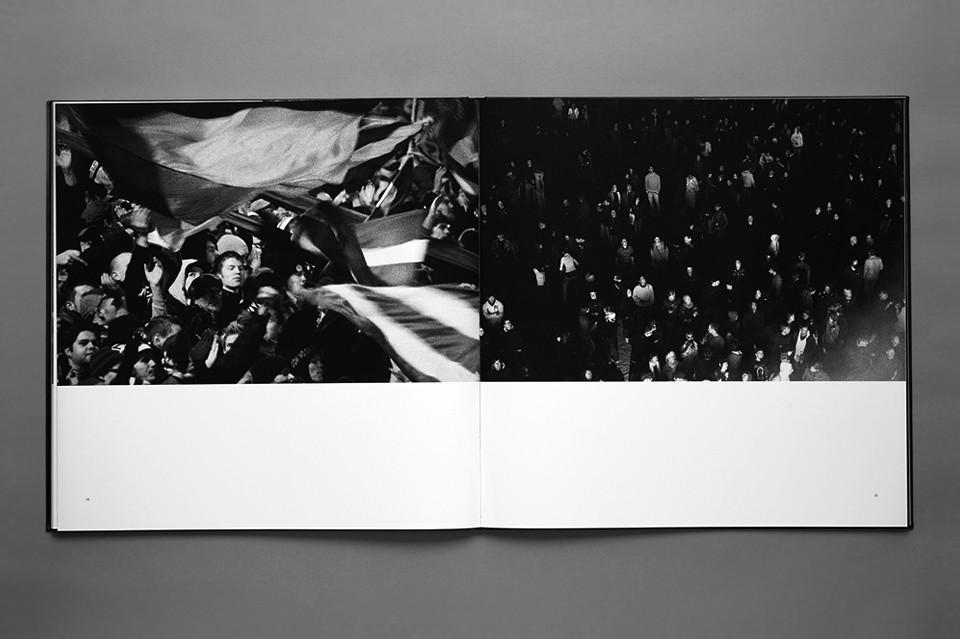 © Julia Knabbe, crowd, page 34-35, 2011