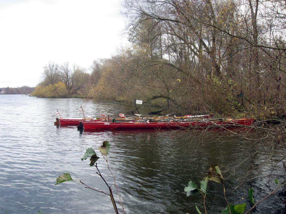 Eine kurze SiPu-Pause am Kanalufer ...