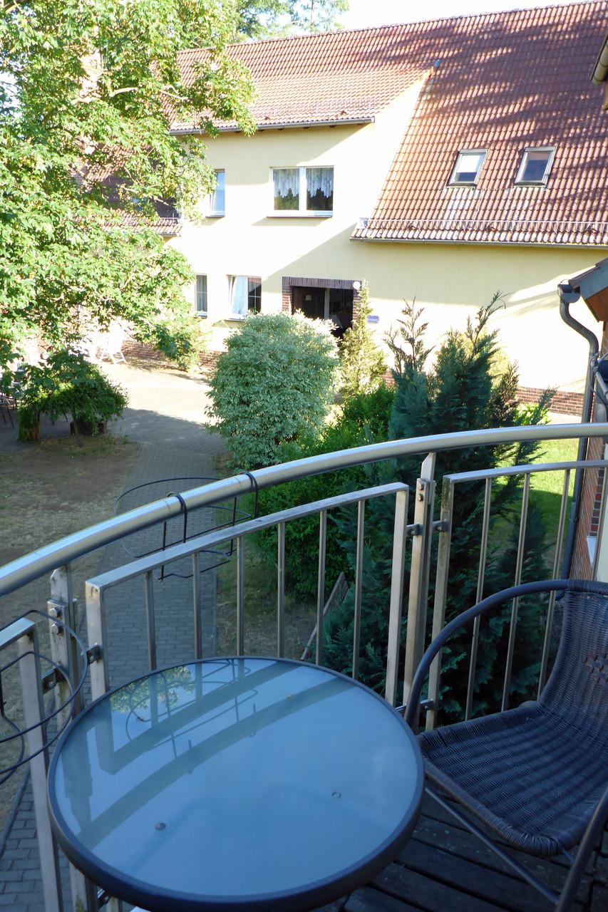 Balkonzimmer in der Jugendherberge.