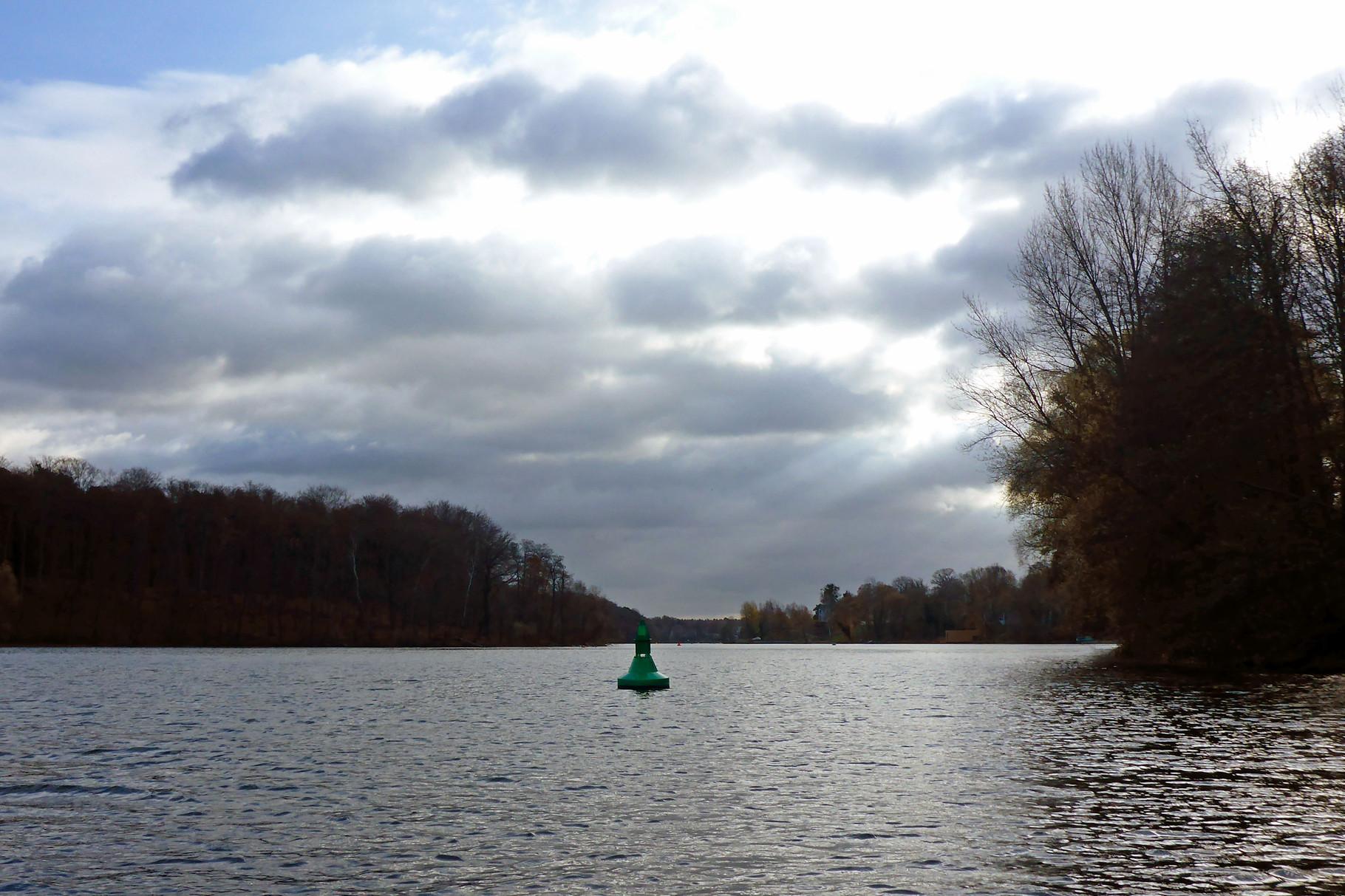 fahren wir über die kleinen Seen.