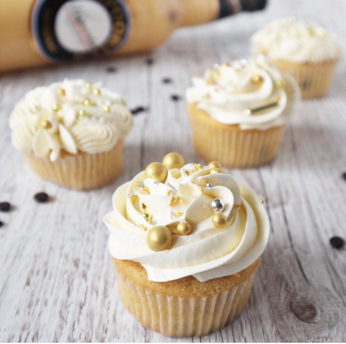Eierlikör Cucakes mit italienischer Buttercreme