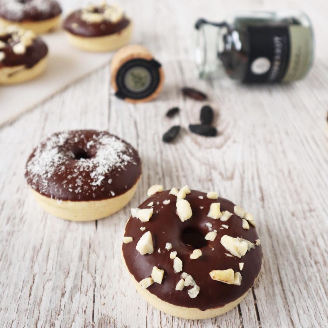 Mini Donuts mit Schokolade und Tonkabohne