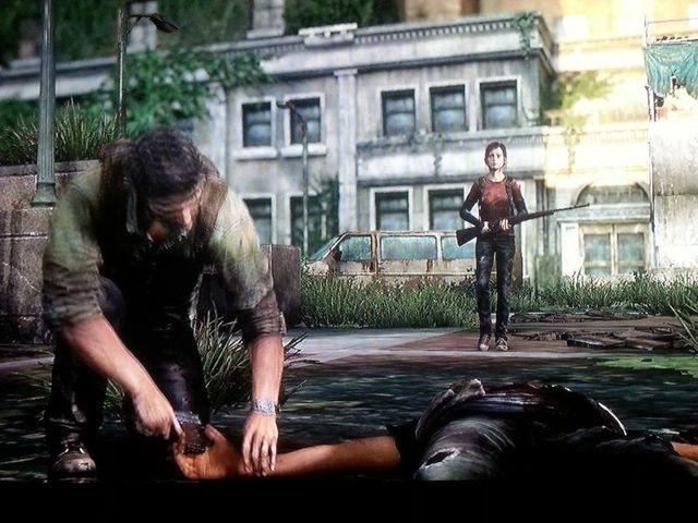 Joel nimmt Hunter die Waffe ab...
