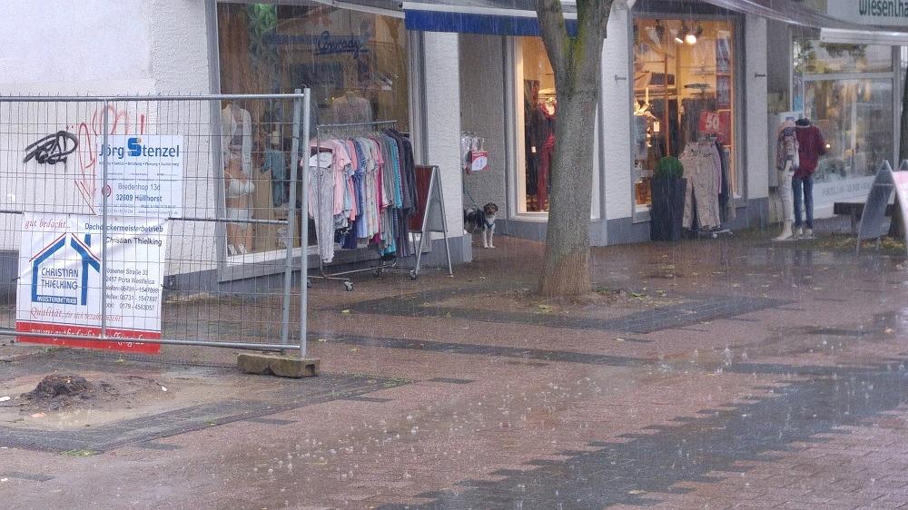 Bardur musste wegen dem starken Regen auf Digga und Frauchen Sandra warten;-)