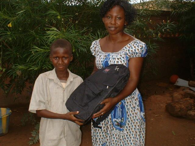 Distribution des sacs et cartables