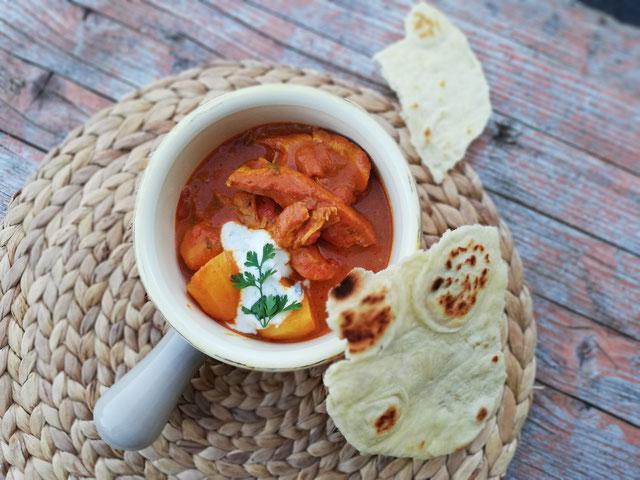 Indisches Hähnchencurry mit Naan