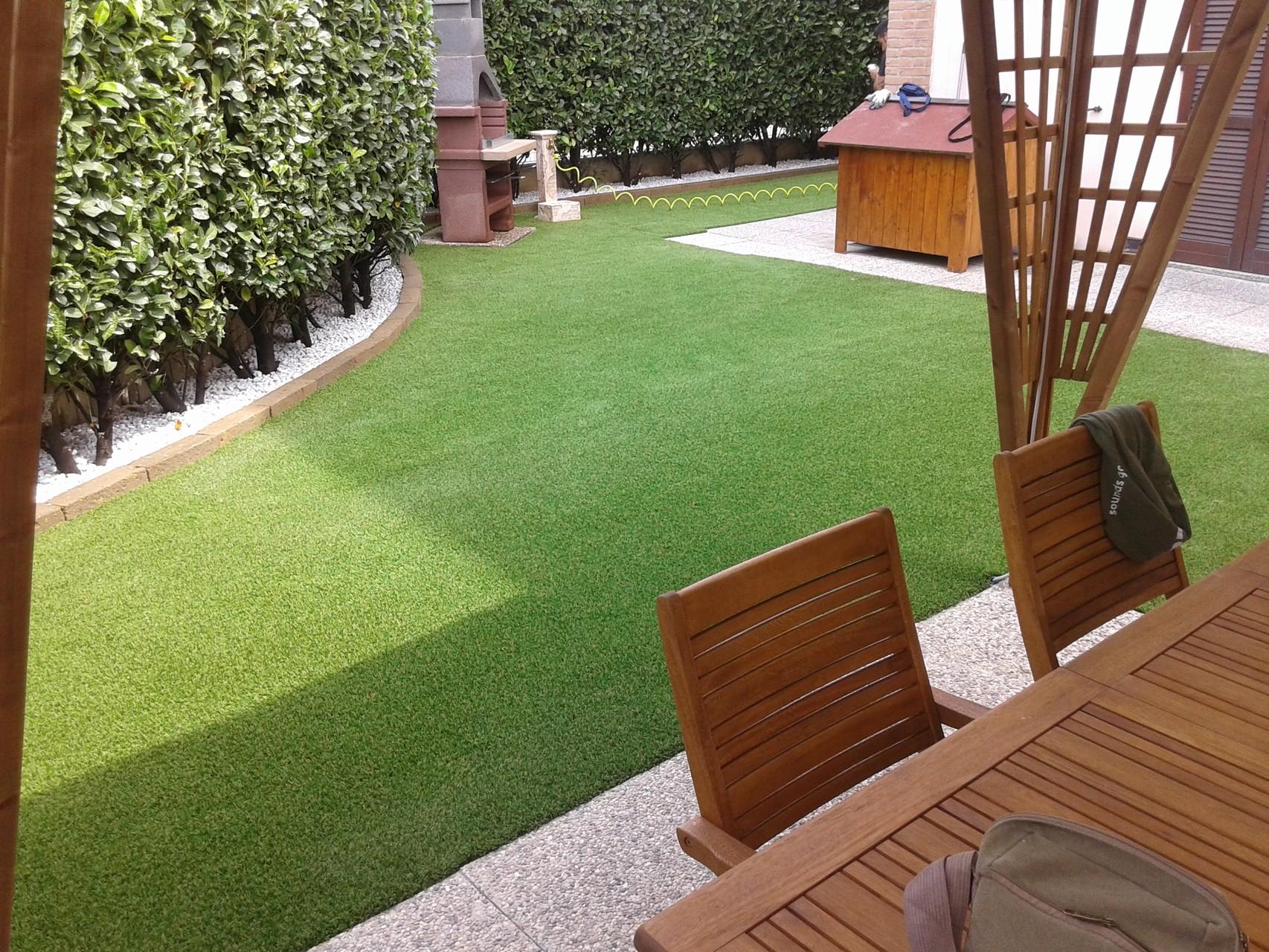 Giardini in erba sintetica lombardia piemonte liguria bergamo
