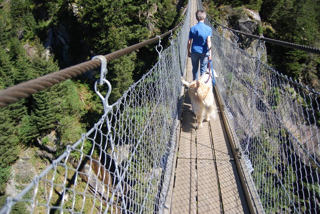 70 meter hohe Hängebrücke bei der Handeck, kein Problem