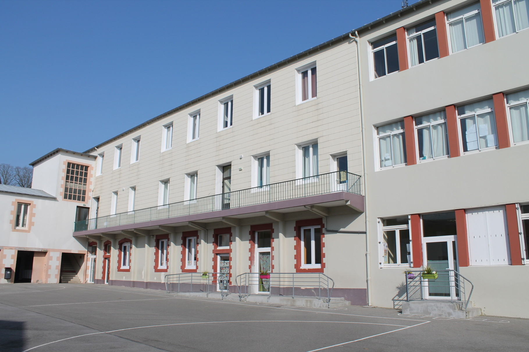 Cour primaire