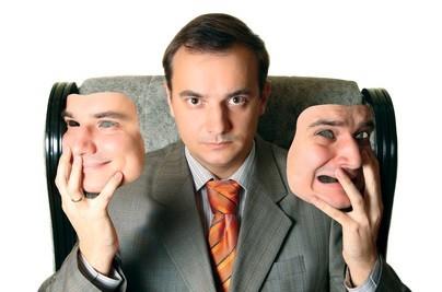 Kommunikation birgt hohes Konfliktpotential. Hinzu kommt, dass Menschen immer sensibler werden. Viele hören bzw. lesen etwas anderes als man sagt oder schreibt. Dies führt zu Konflikten mit Partnern, Kunden und Mitarbeitern