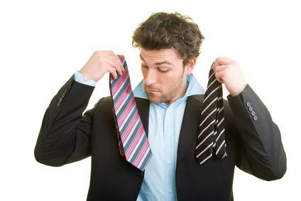 Outfit- und Styling-Beratung für mehr Erfolg im Privat- und Berufsleben. Aussehen ist auch Kommunikation, Frisuren und Kleider machen Leute. Zu anderen passen, besser auf andere Menschen wirken. Beratung & Service in Sachen Outfit & Styling