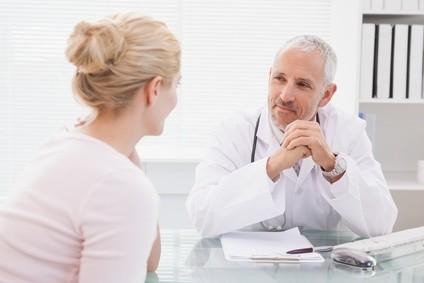 Richtige und bessere Kommunikation mit Patienten Gute Gespräche zwischen Arzt und Patient sind ein entscheidender Faktor. Wir sensibilisieren Ärzte und weitere Vertreter div. Gesundheitsberufe für den richtigen kommunikativen Umgang mit Patienten