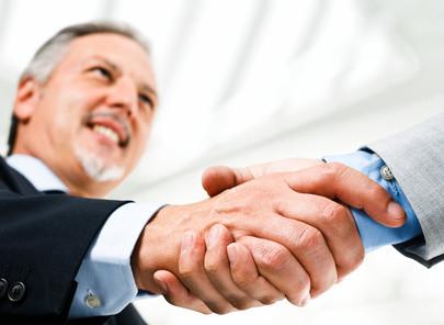 Psychologische Verhandlungsführung. Im Privat- und Berufsleben gibt es zahlreiche Situationen, Absichten und Interessenkonflikte, bei denen es wichtig ist, eine Verhandlung zum Abschluss  zu bringen und ein erfolgreiches Verhandlungsergebnis zu erzielen