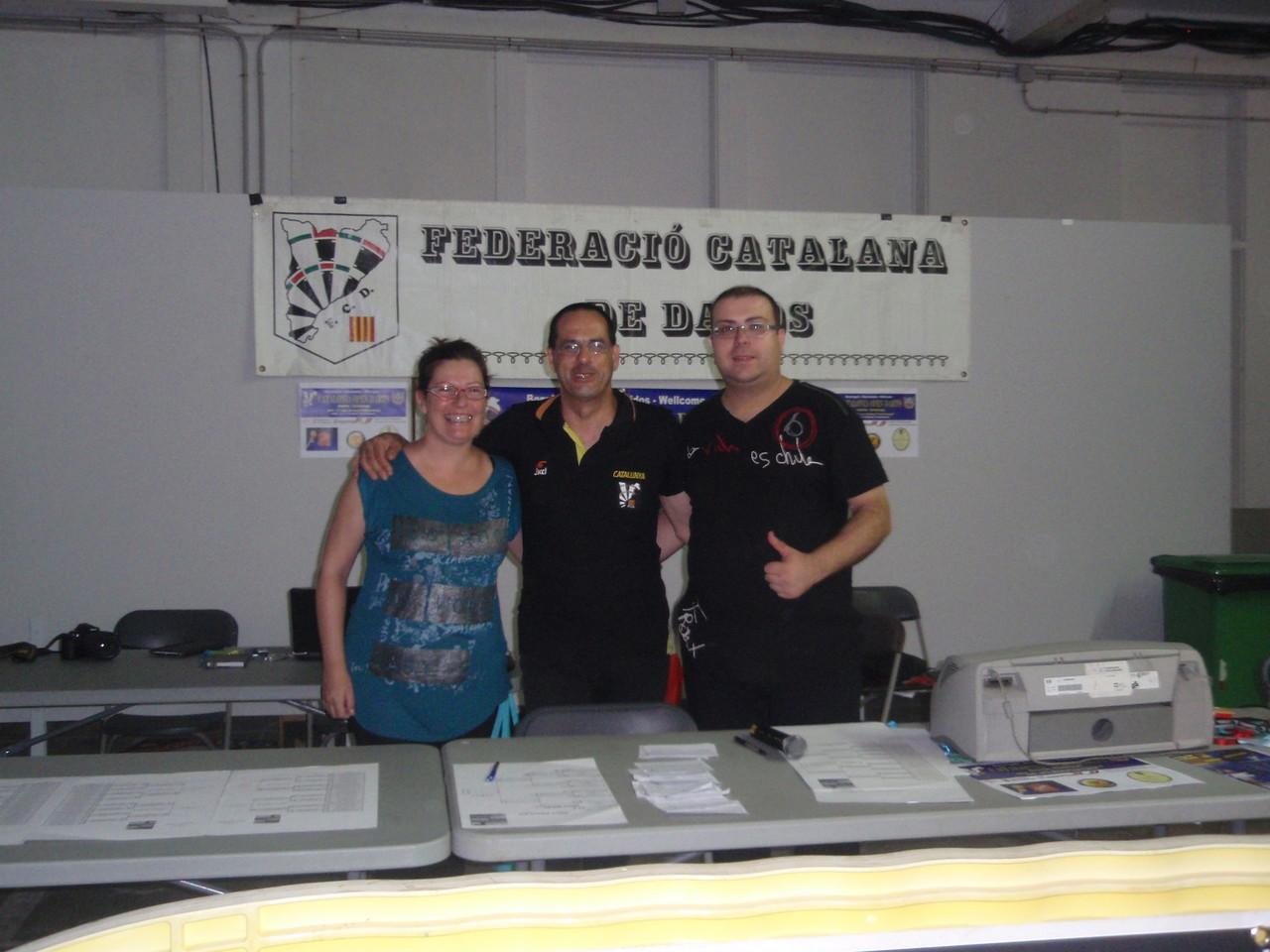 Mesa de control: Helen,Toni y Tito